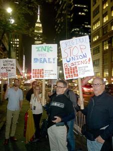 2015 10 13 WGAE protestorsBWeb